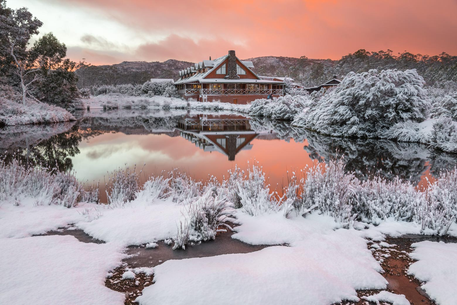 Cradle Mountain is one of the best places where to see snow in Tasmania on your Lap of Tasmania road trip