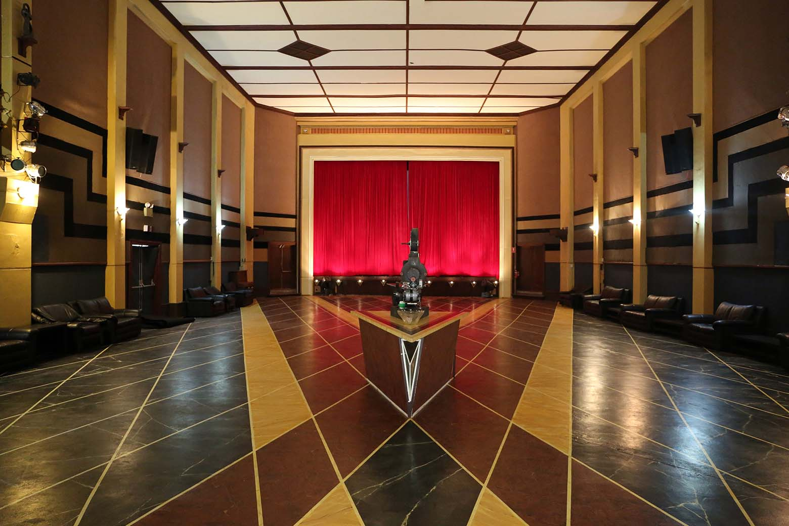 See the lovingly restored Paragon Theatre in Queenstown on your Lap of Tasmania road trip