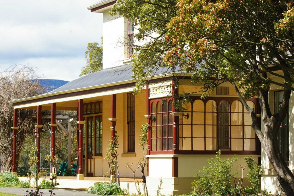 Glen Derwent Heritage Retreat in New Norfolk is an excellent Derwent Valley accommodation option on your Lap of Tasmania road trip
