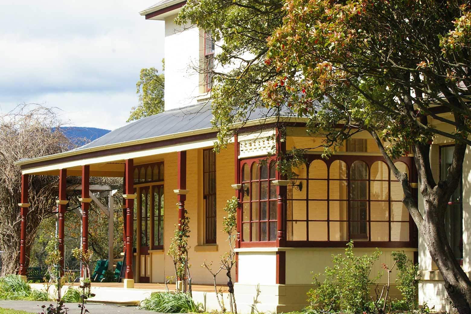 Glen Derwent Heritage Retreat in New Norfolk is an excellent Derwent Valley accommodation option on your Lap of Tasmania road trip