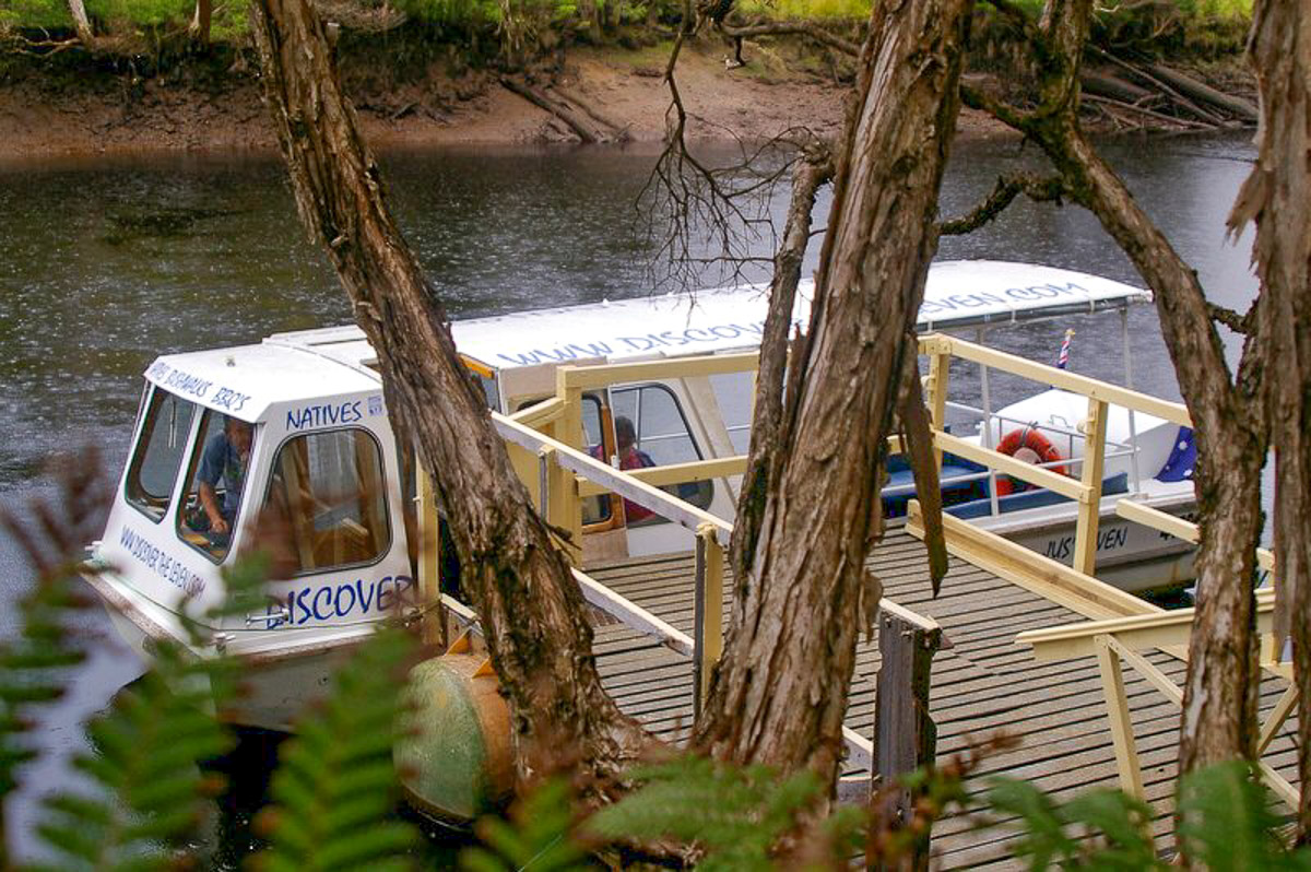 Leven River Cruises - At the jetty